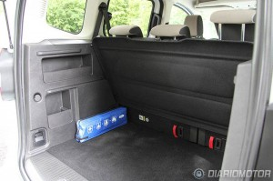 Ford-Tourneo-Courier-trunk